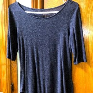 Super soft 3/4 sleeve gray top loose fitting